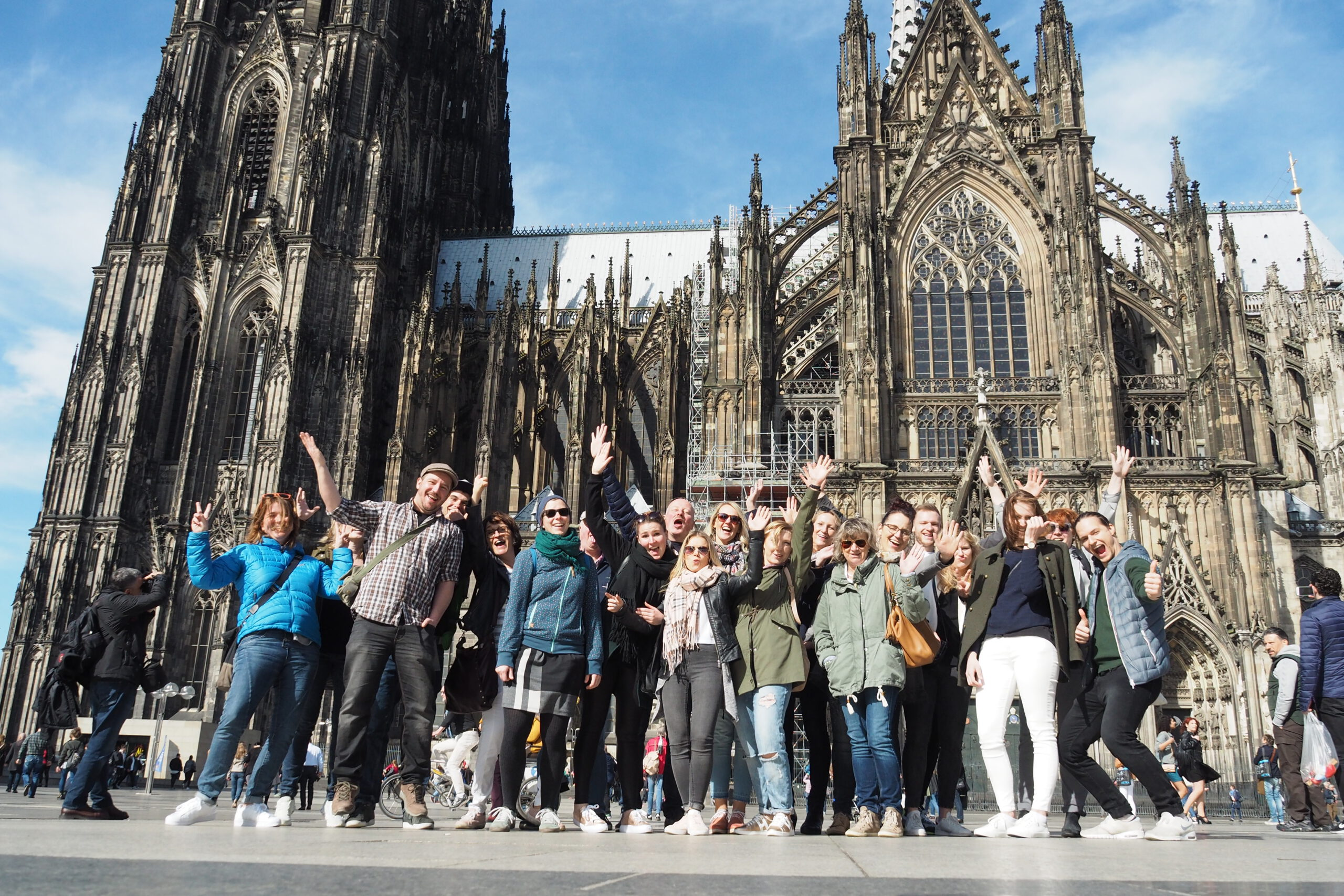 Free Walking City Tours in front of Cologne Cathedral